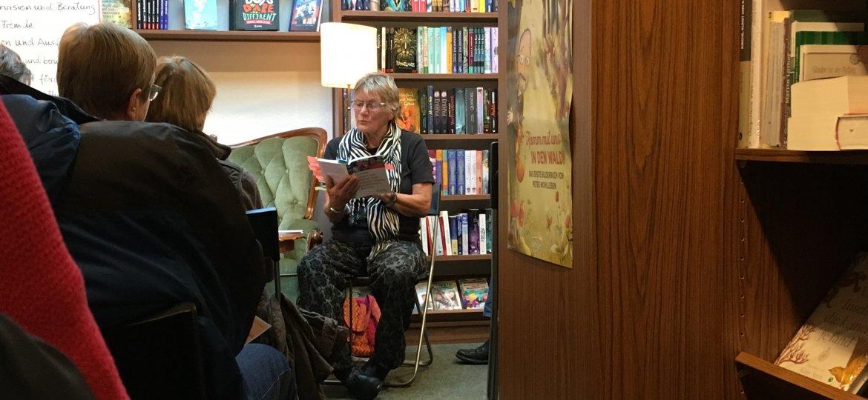 Katharina Witte beim Vorlesen