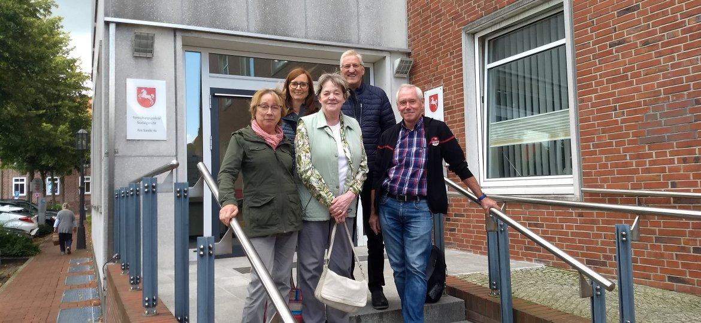 Ehrenamtliche-besuchen-Gericht-in-Stade